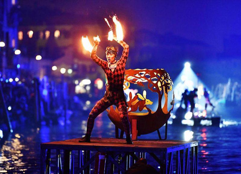 Φαντασμαγορικές εικόνες από το Καρναβάλι της Βενετίας