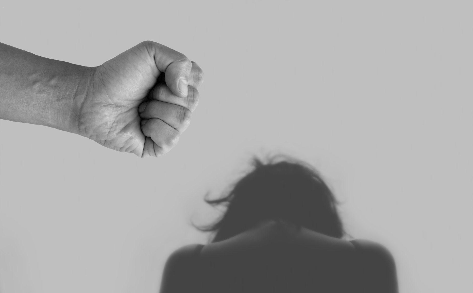 Ραγδαία αύξηση της οικογενειακής βίας λόγω καραντίνας